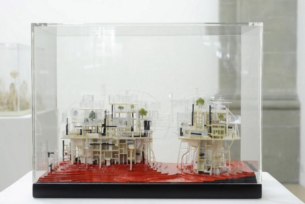 _Microcosme 5_, 2012, bois, carton, plastique, plexiglas, 15 x 29 x 23 cm (Copier)